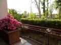 Un secondo balcone si affaccia sul parco