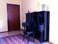 E se volete esercitarvi.. beh, c'è anche un pianoforte!